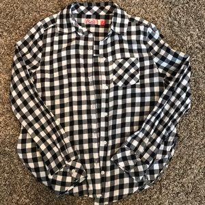 SO Girls long sleeve button up black/white shirt